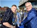Cả thế giới CHOÁNG vì biển người ăn mừng chức vô địch lịch sử của Leicester