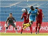 Thủ môn Việt kiều Văn Lâm: 'Bố từng thuyết phục tôi bỏ giấc mơ V-League'