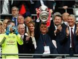 CHÙM ẢNH: Man United rộn ràng trong men say chiến thắng