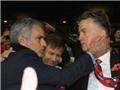 TIẾT LỘ: Van Gaal biết tin bị sa thải từ… Mourinho
