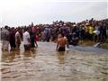 Giải cứu thành công cá voi nặng 15 tấn trôi dạt ở bờ biển Nghệ An