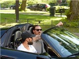 Ibrahimovic lái siêu xe 660.000 bảng tới nơi đóng quân của Thụy Điển