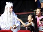 'Ông Bụt' Quang Thắng 'quay cuồng' trên sân khấu trước 1/6