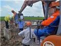 Kiểm tra thông tin trộn đất vào móng bê tông đường dây 220 kV