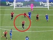 Tiền vệ Thổ Nhĩ Kỳ gây sốt vì tranh thủ vuốt tóc lúc Modric ghi bàn
