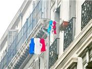 Những nẻo đường EURO: Tình yêu trên những khuôn cửa sổ