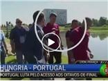 Ronaldo bị yêu cầu phải xin lỗi vụ giật micro ném xuống hồ nước