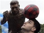 Chính quyền Argentina dựng tượng Messi