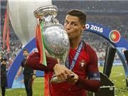 50 sắc thái Ronaldo: Khóc vì chấn thương, chỉ đạo như HLV, tái hiện 'Fergie time'