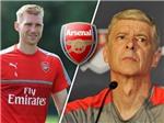 Mertesacker nghỉ dài hạn, Arsene Wenger lại khốn khổ