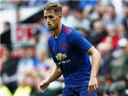 Sunderland sắp mua xong bộ ba cầu thủ Man United
