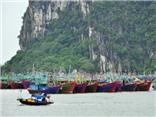 KHẨN CẤP: Bão giật cấp 13, đổ bộ Quảng Ninh - Nam Định