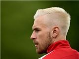 Ramsey diện kiểu đầu mới cực độc, liệu Messi có bắt chước một lần nữa?