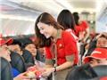 Khi hành khách 'hành' các tiếp viên hàng không...