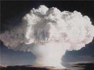 Người Nga hoảng hồn vì đám mây 'hạt nhân' choáng ngợp bầu trời