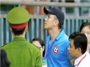 Phản ứng trọng tài, trợ lý CLB Hải Phòng bị đình chỉ 3 trận