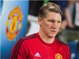 Đến chụp ảnh toàn đội, Schweinsteiger cũng bị Man United TẨY CHAY