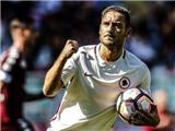 Totti cán mốc 250 bàn ở Serie A trong ngày Roma gục ngã