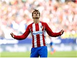 Griezmann lại đóng vai trò người hùng, Atletico bám đuổi Real và Barca