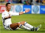 Cristiano Ronaldo luôn thế, không muốn rời sân. Nhưng hãy nhìn bài học Messi!