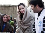Angelina Jolie đâm đơn ly dị vì tham vọng chính trị?