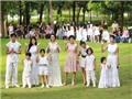 Con của 'sao' Việt tập tành làm mẫu nhí