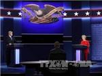 Hai ứng viên Clinton và Trump bắt đầu cuộc tranh luận trực tiếp đầu tiên