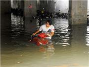 CHÙM ẢNH: Máy bơm công suất lớn cứu 1000 xe máy chìm trong hầm