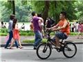 Đề nghị cho xe đạp vào phố đi bộ Hồ Gươm