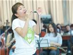 Hà Trần một mình tập luyện cho đêm nhạc Trần Tiến