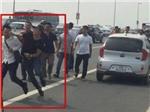 'Gạt tay trúng má' phóng viên, cảnh sát hình sự huyện Đông Anh bị khiển trách