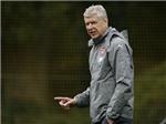 HLV Arsene Wenger để ngỏ lời đề nghị dẫn dắt 'Tam sư'