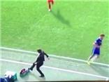 Conte hãm bóng ĐẲNG CẤP, được ví von với kĩ thuật tuyệt đỉnh của Ronaldinho