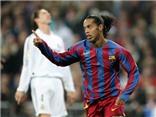 Ronaldinho quên lời mời của Barca chỉ vì... mải chơi