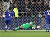 De Gea ca ngợi màn trình diễn đỉnh cao của Buffon trước Lyon