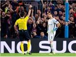 Bravo bị mỉa mai vì sai lầm và thẻ đỏ ở trận Man City thua Barca 0-4