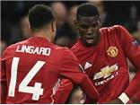 CĐV Man United nức lòng vì cú đúp của Paul Pogba