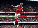Theo Walcott thăng hoa cùng Arsenal: Đằng sau một sự đổi thay
