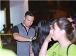 Xạ thủ Hoàng Xuân Vinh 'tháp tùng' vợ đến xem Monsoon Music Festival 2016