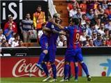 Lionel Messi ghi bàn thắng gây tranh cãi ở trận Valencia - Barca