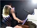 Taylor Swift trở lại bốc lửa với ca khúc khiến cô tan vỡ với Calvin Harris