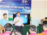 HLV V-League đi học lớp FIFA Pro