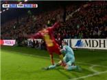 Sốc với thẻ đỏ được cho là 'NGU NGỐC' nhất trong bóng đá