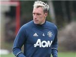 Rộ tin đồn Phil Jones có hành động 'phản' Jose Mourinho