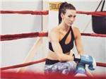 Ngắm vẻ đẹp siêu mẫu sắp khiến 'độc cô cầu bại' Ronda Rousey tái xuất