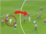 Ronaldo trình diễn màn ăn vạ 'thô thiển nhất lịch sử', đáng bị treo giò