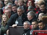 CĐV Man United tính cho Mourinho 'chung cảnh ngộ' với David Moyes