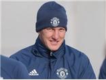 Mourinho tiết lộ lí do gọi Schweinsteiger trở lại đội 1 Man United