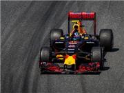 Đua xe F1: Max Verstappen được ca ngợi với pha xử lý như trong game