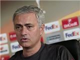 CẬP NHẬT tối 24/11: Mourinho đã có danh sách 5 hậu vệ muốn mua.  Xuân Trường bộc bạch tâm tư thầm kín